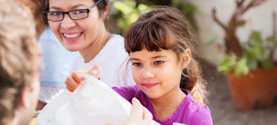Girl-taking-paper-product-2880x1300.jpg